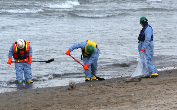 Coast Guard completes its investigation into Lake Michigan oil spill
