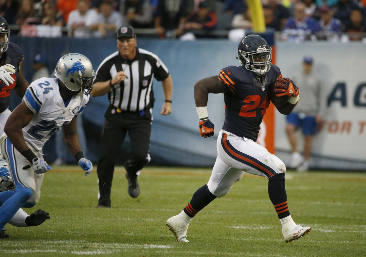 c52d9680049 Bears running back Jordan Howard runs during the second half of Sunday's  game against the Detroit Lions.