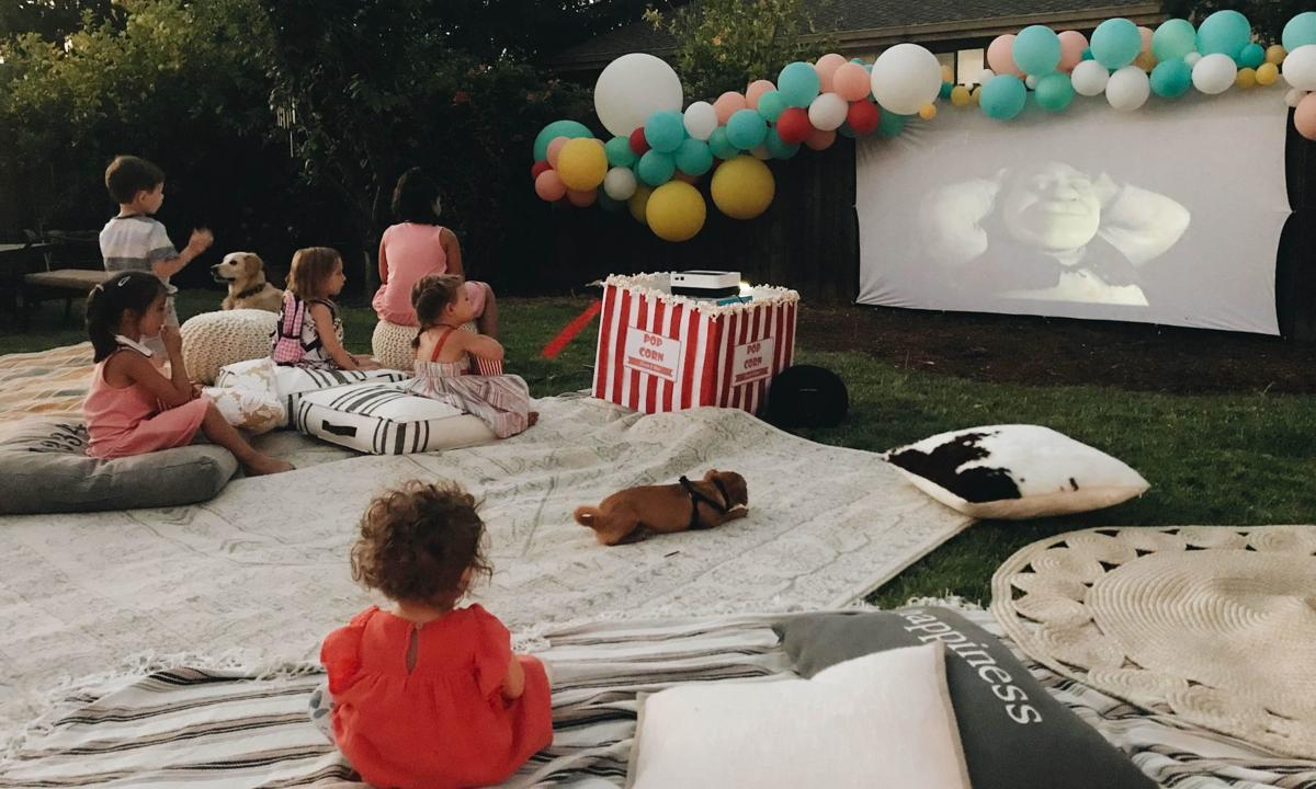 Homes Outdoor Theaters