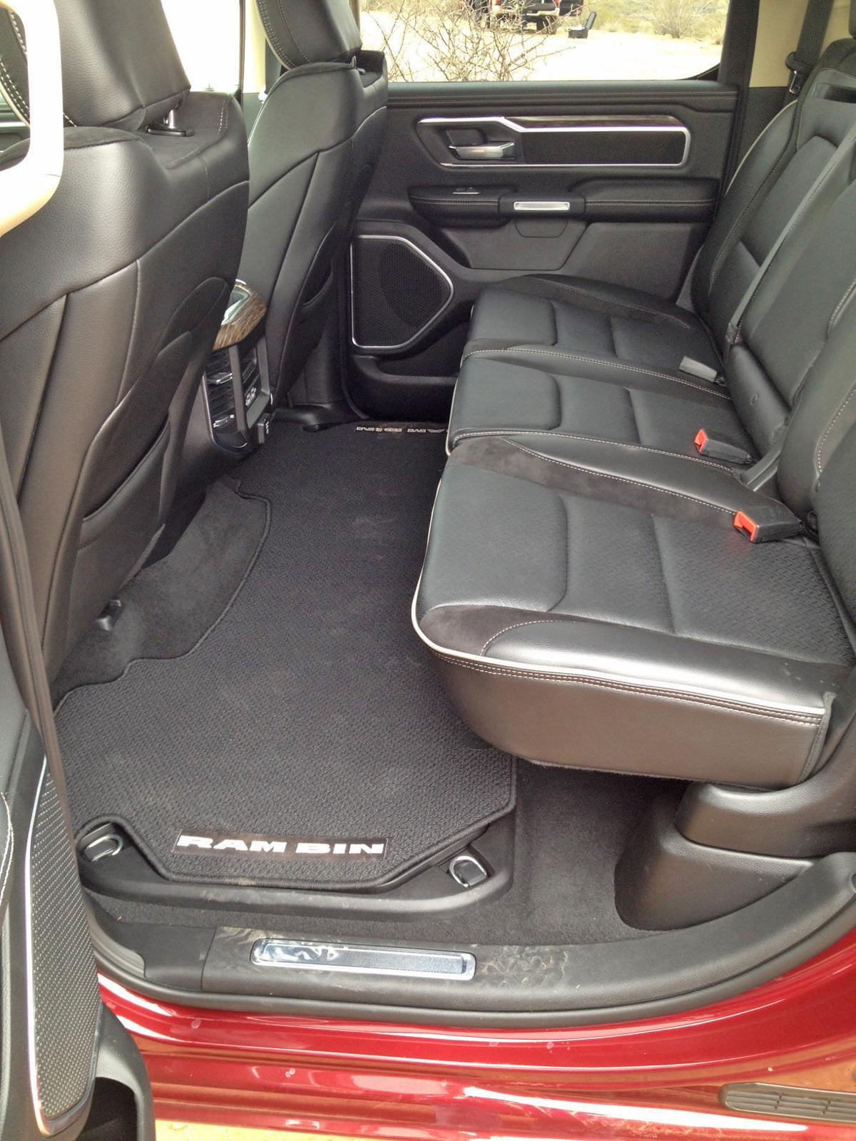 ram hauls new looks capability cars. Black Bedroom Furniture Sets. Home Design Ideas