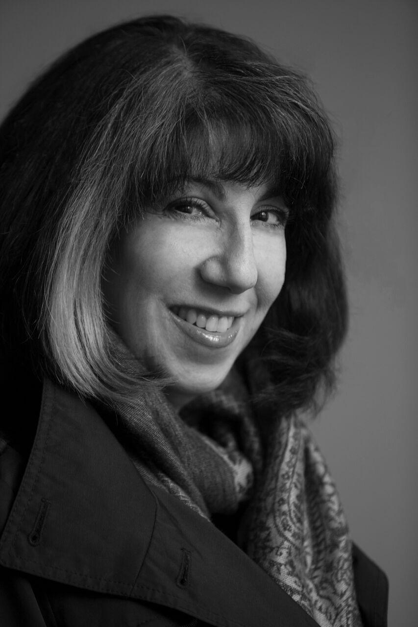 Renee Rosen headshot high-res B&W credit Charles Osgood.jpg