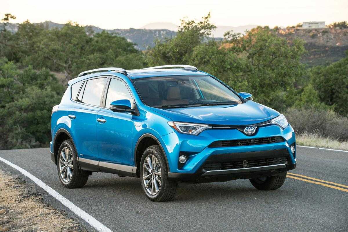 Toyota Is Rolling Out A Gas Electric Hybrid Version Of Its Rav4 For 2016 It Offers Dramatic Improvement In Mileage Around Town Driving