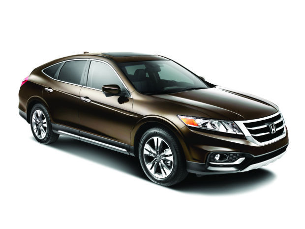honda crosstour offers crossover practicality with driveability cars. Black Bedroom Furniture Sets. Home Design Ideas