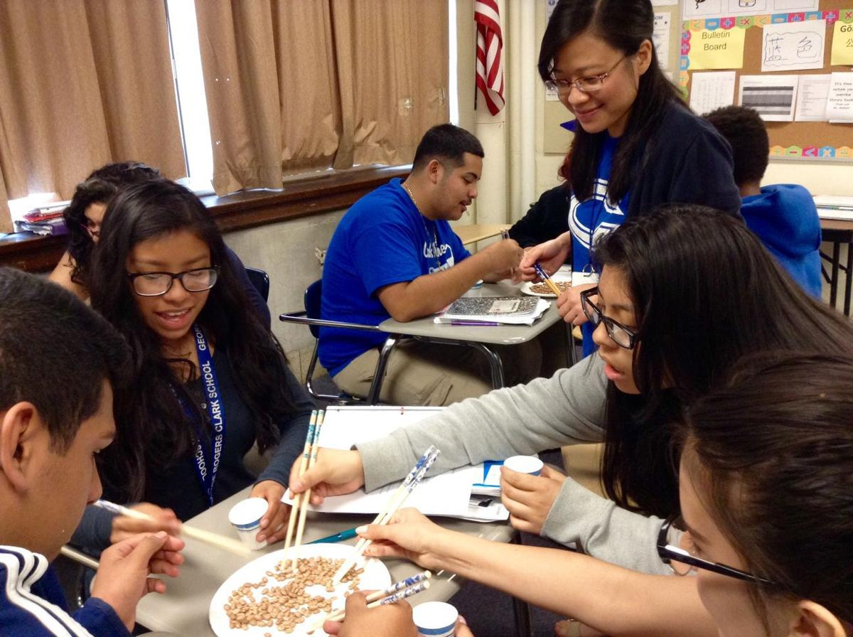 Clark students learn Chinese