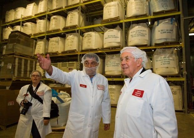 Lugar visits Hobart candy business