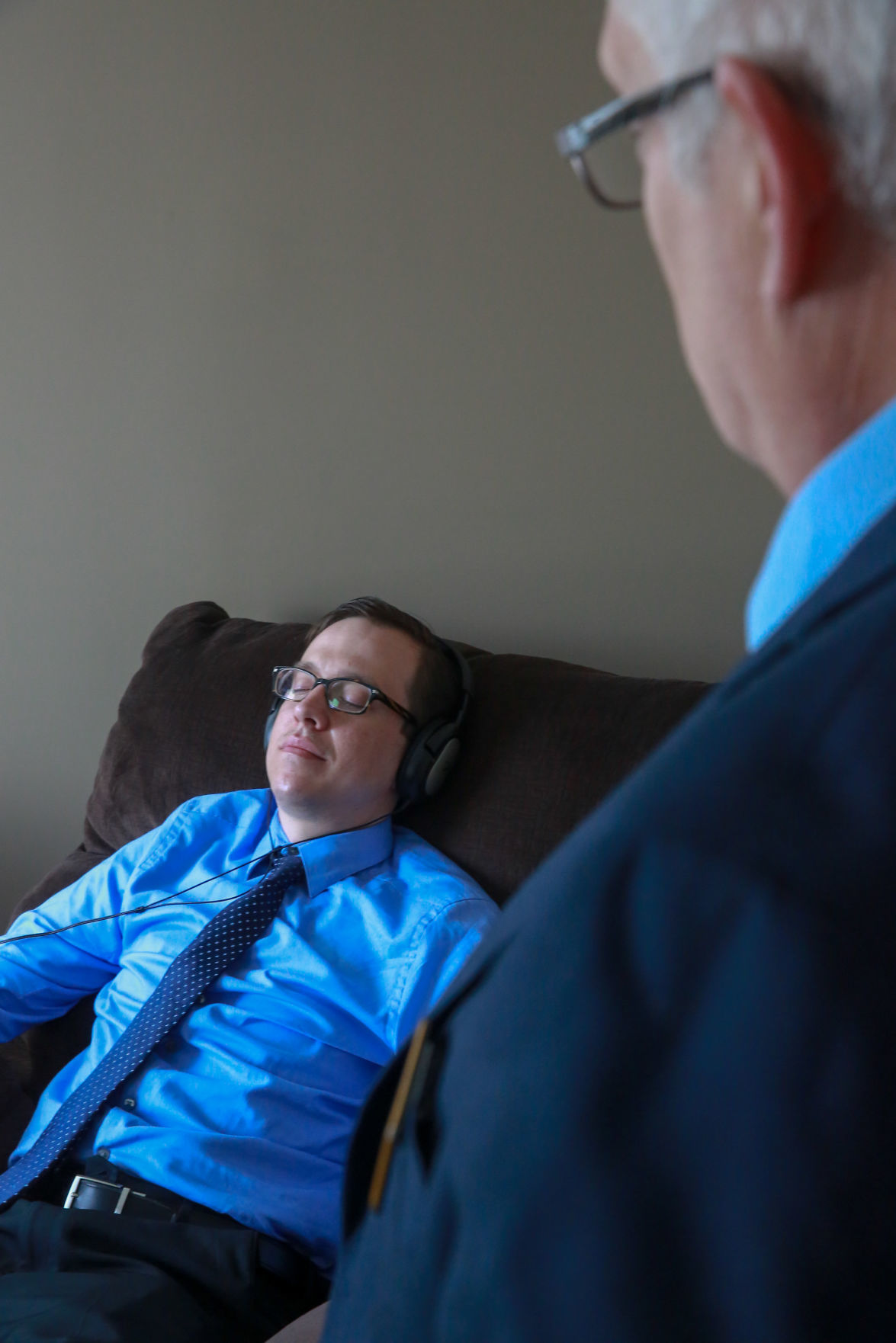 Northwest Indiana Residents Use Hypnosis To Improve Their Health