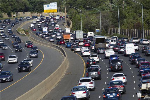 Improving economy shares blame for worst US traffic ever