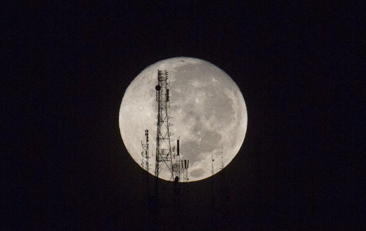 APTOPIX Haiti Supermoon Lunar Eclipse