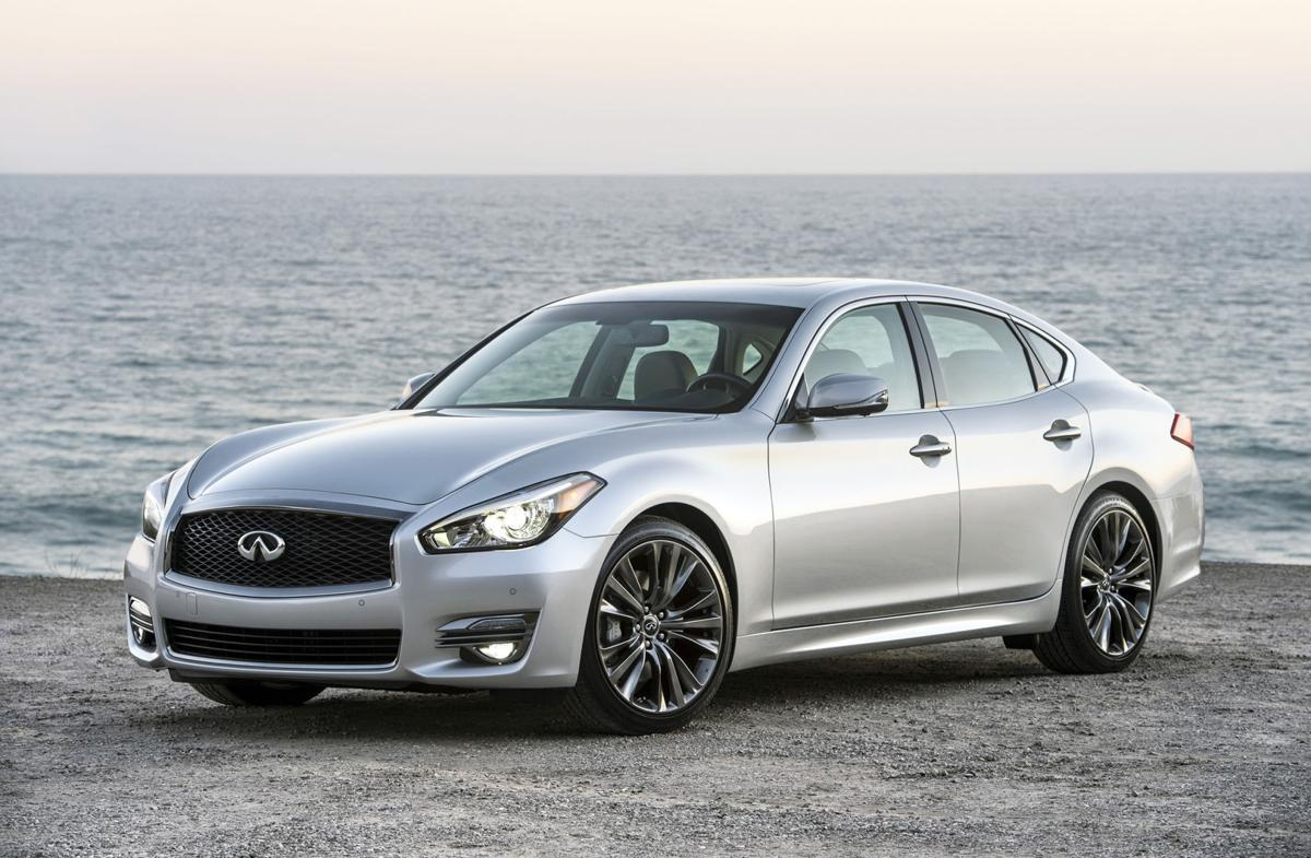 Infiniti S Flagship Sedan Presses All The Right Ons
