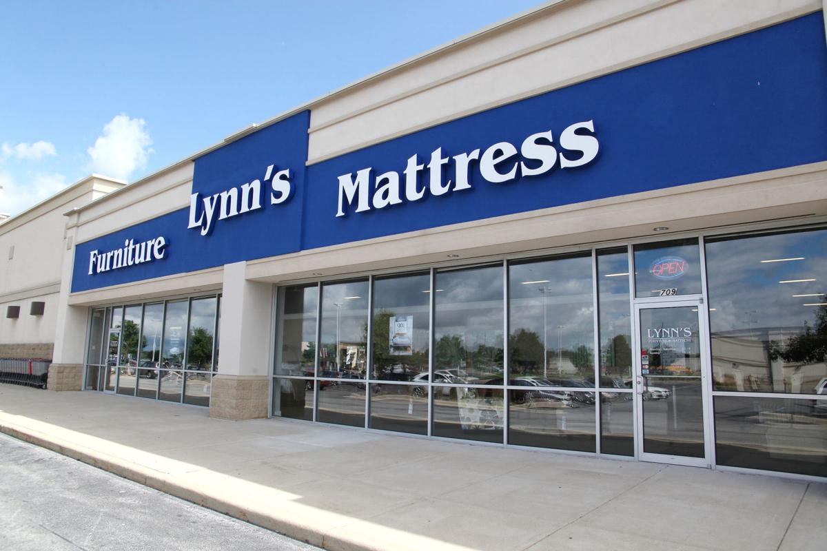 Lynn 39 s furniture and mattress closing in schererville for C furniture new lynn