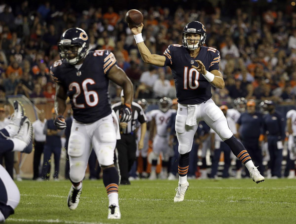 df64bbd2cf8 APTOPIX Broncos Bears Football. Bears quarterback Mitchell Trubisky throws  a touchdown pass to wide receiver Victor Cruz during ...