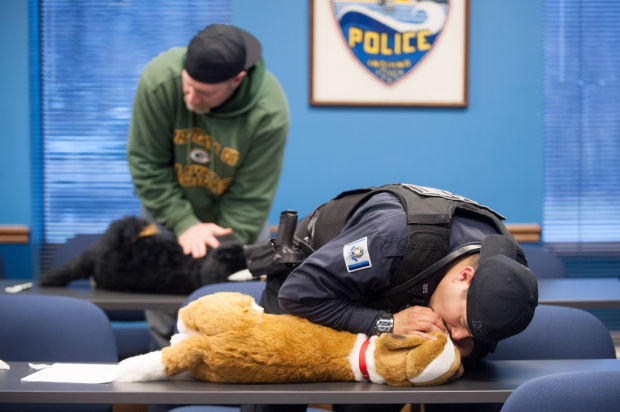 Local vet teaches K-9 CPR, first aid to police, fire departments