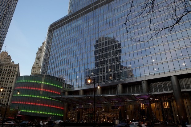 Trump International Hotel u0026 Tower Chicago Decorated with Holiday Lights in 2012 & Trumpu0027s Holiday Treatment: Trump International Hotel and Tower ...