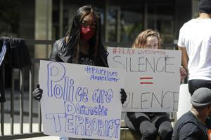 Protests as Indianapolis police kill 3 in separate incidents