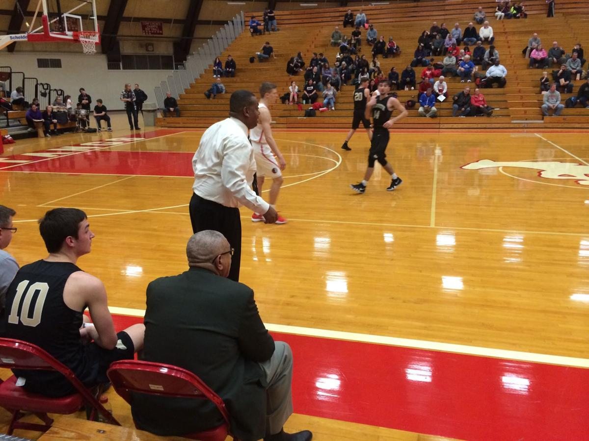 Griffith travels to Munster for boys hoops