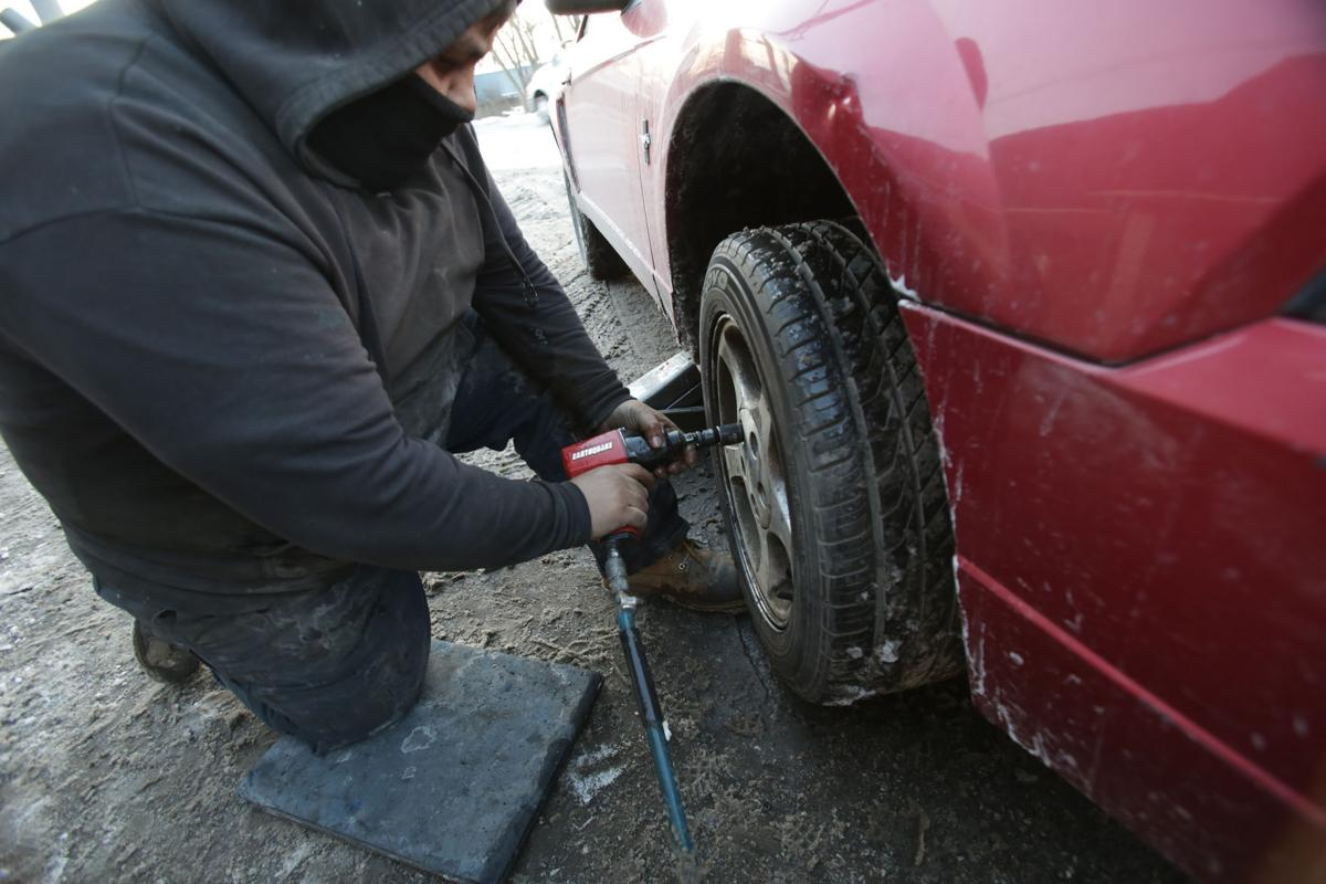 Cold weather causes 'an avalanche' of car troubles | Lake