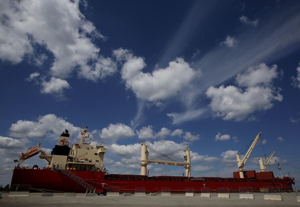Great Lakes cargo up 4% at start of shipping season