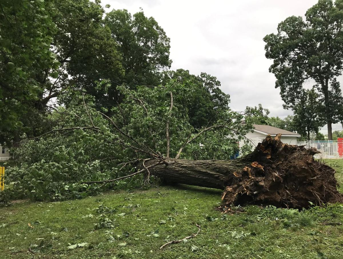 Damage, power outages after storms rip through Region