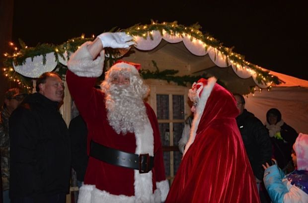 Santa arrives in Lansing