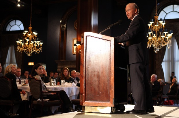 Governor pitches book to Illinois audience