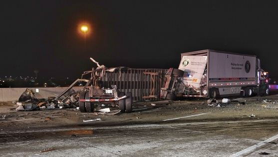 1 killed, 1 hurt in fiery four-vehicle pileup on I-65 in Merrillville