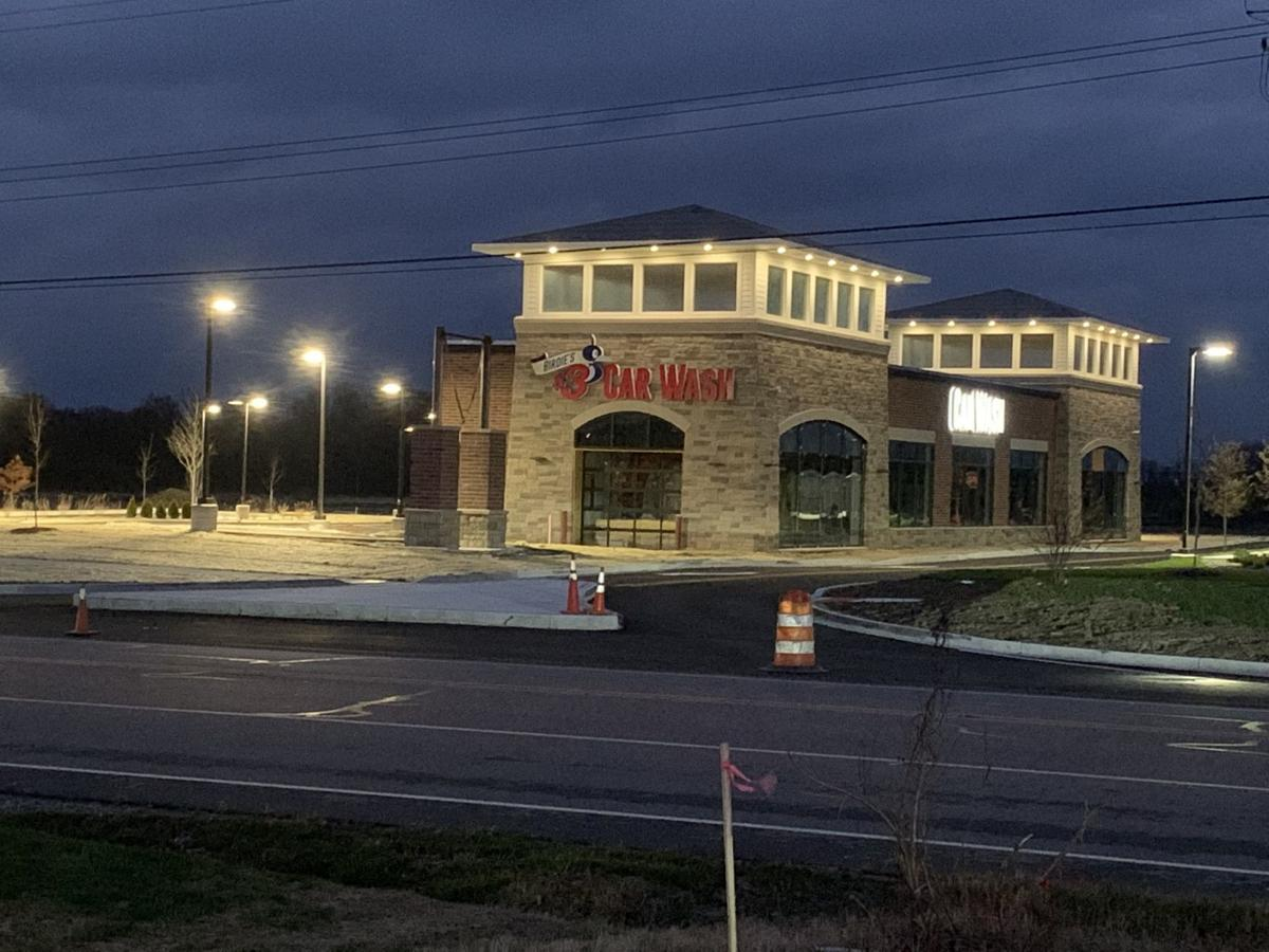 Sophia's House of Pancakes replacing S'ville Applebee's, Birdie's $3 car wash coming to CP, Domino's and Big Lots open, Enzo's closes