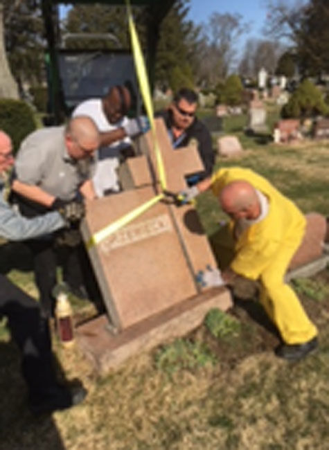 041318-nws-cemetery7.jpg
