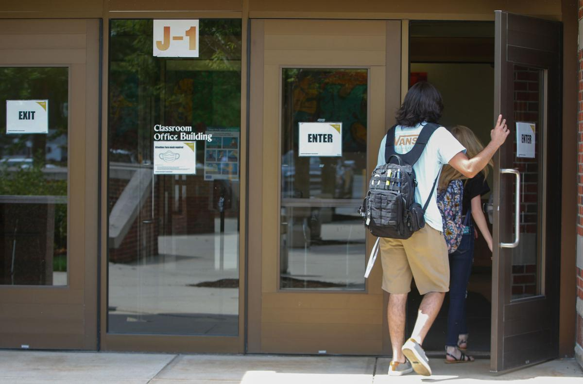 PNW students return to campus
