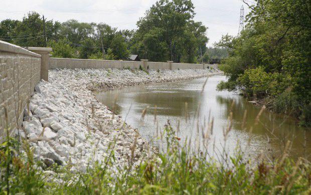 Little Calumet River levee