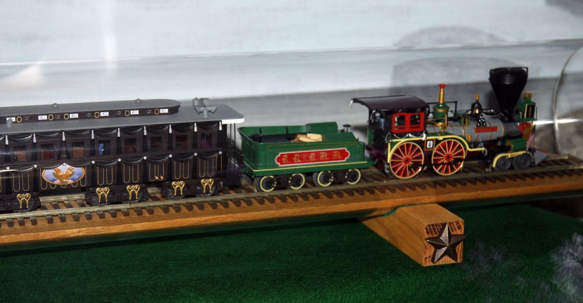Funeral Train O-scale model