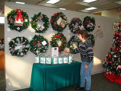 Donations for decorations | South Suburban News | nwitimes com