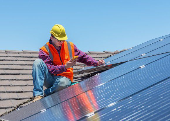 Why Vivint Solar Inc's Shares Fell 13% in February