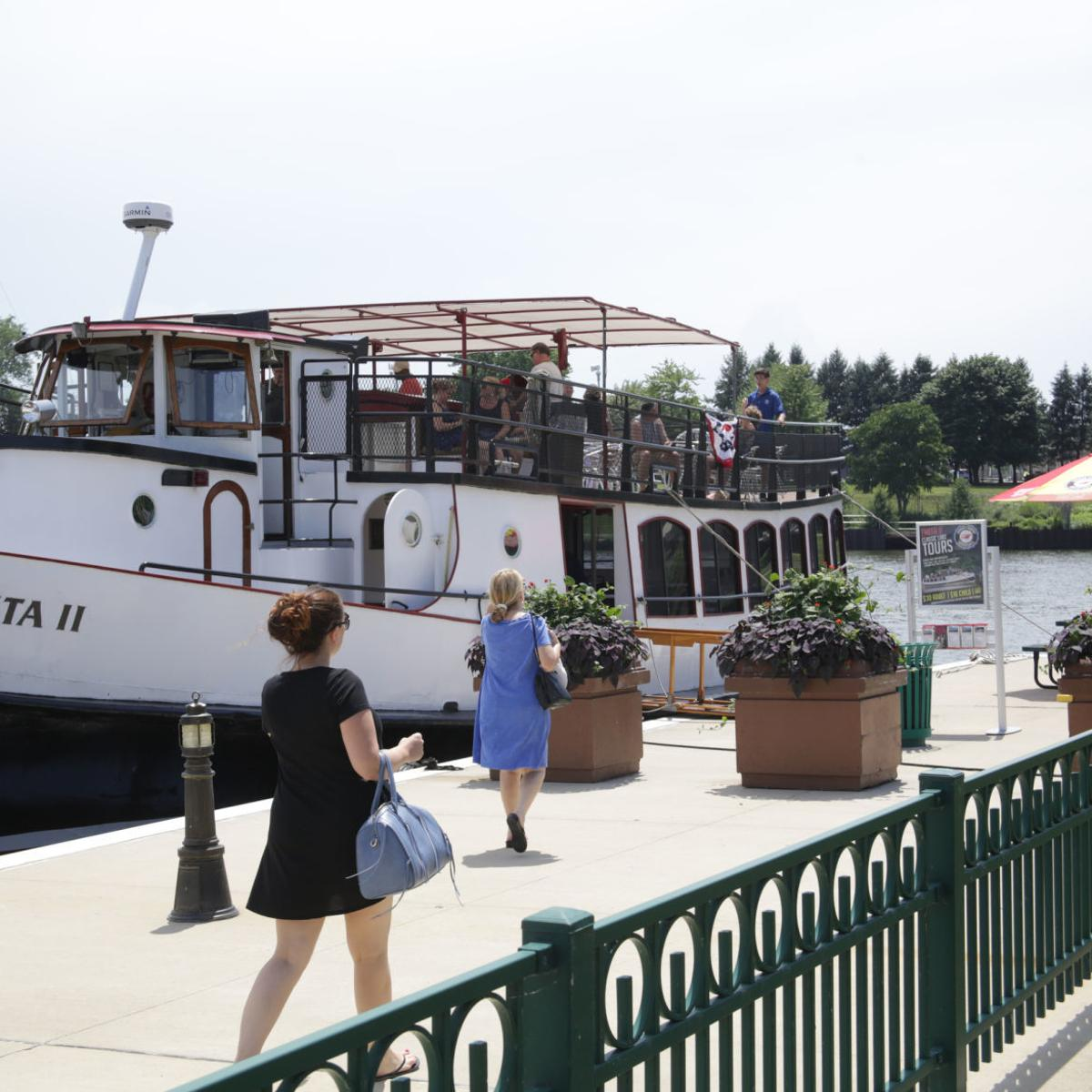 Lake Michigan boat tours, speed boat rides return to Michigan City