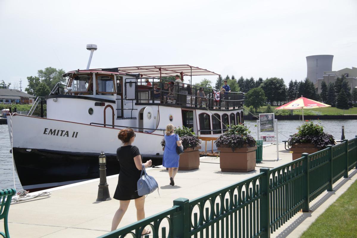 Lake Michigan boat tours, speed boat rides return to Michigan City Friday