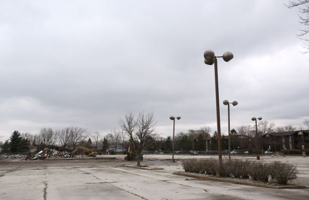 Motel planned for vacant Shaver dealership