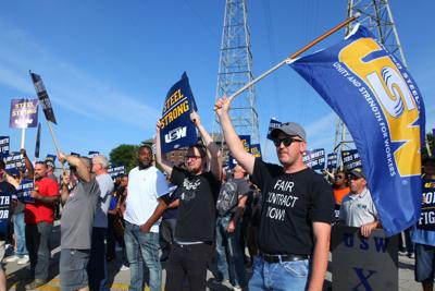 USW to continue to bargain with U.S. Steel 'for a while longer'