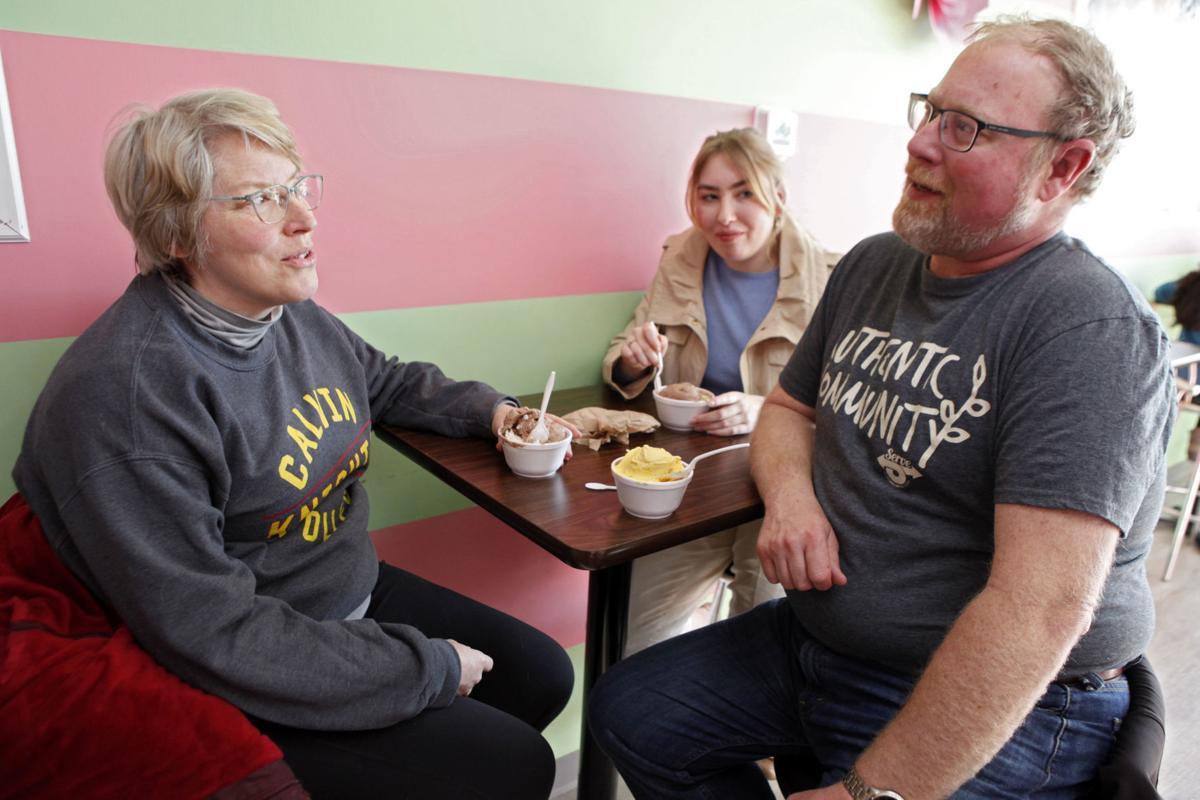 Illinois restaurants impacted by Gov. Pritzker order