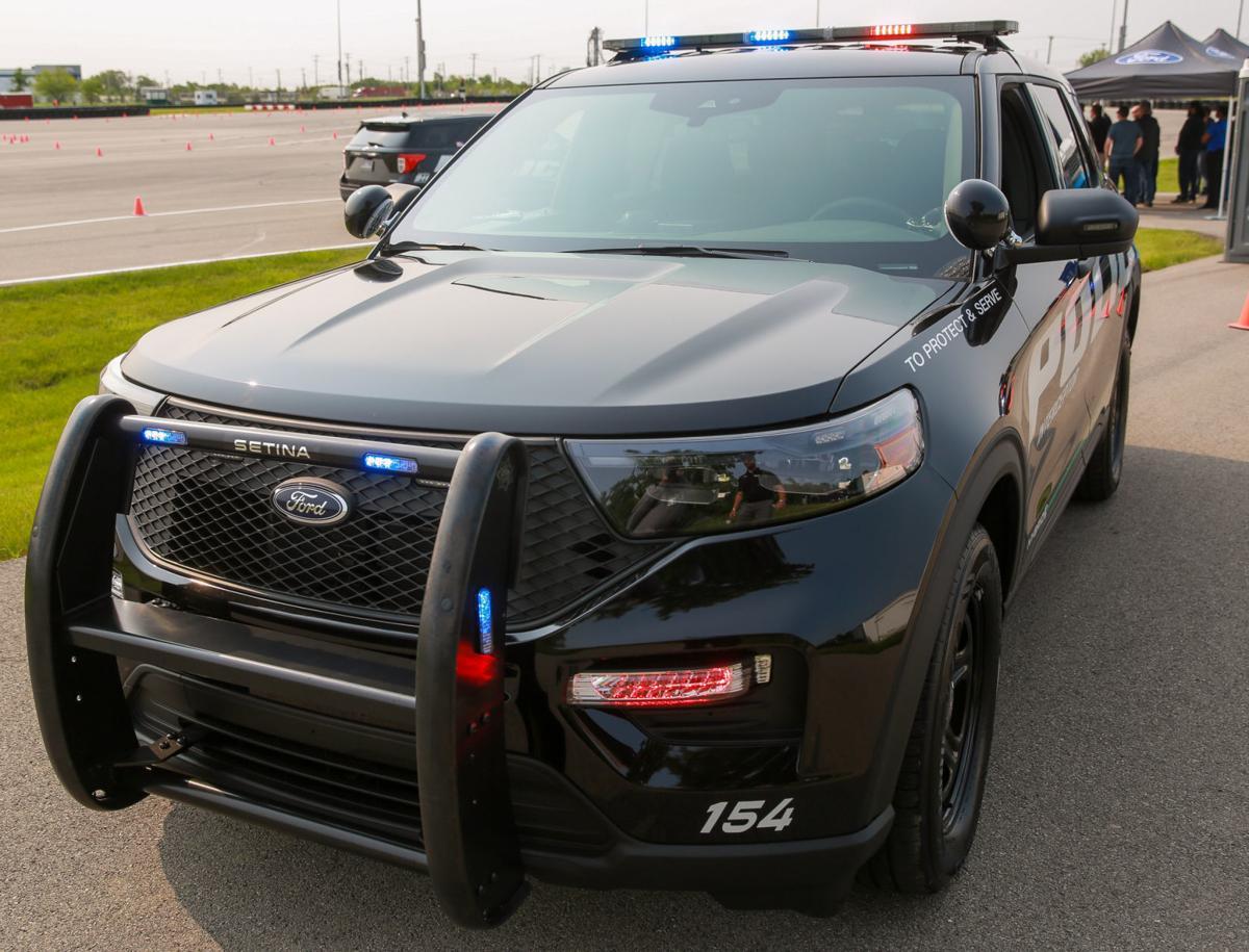 STOCK - police car (ford interceptor)