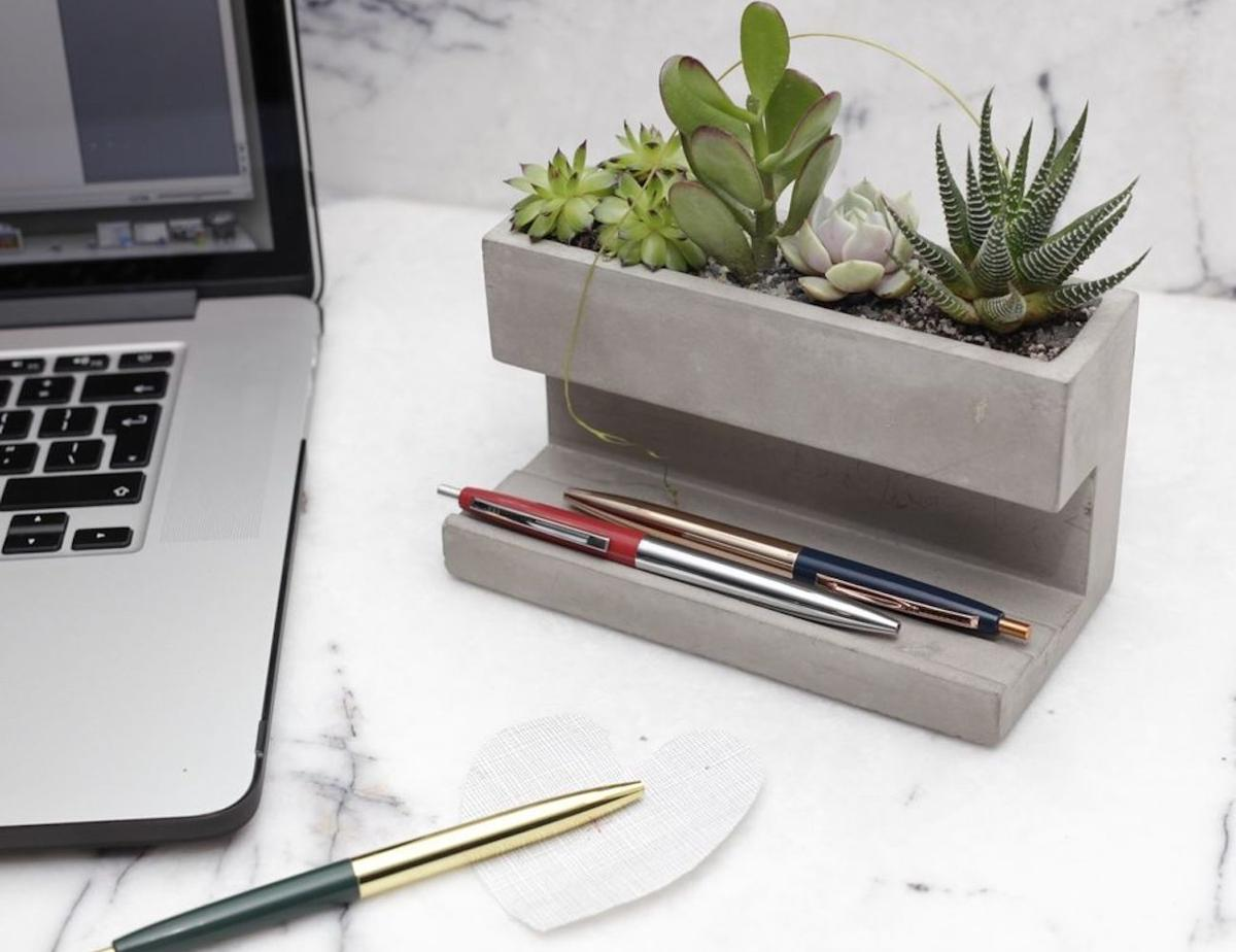5 Stylish Office Supplies To Keep You Organized