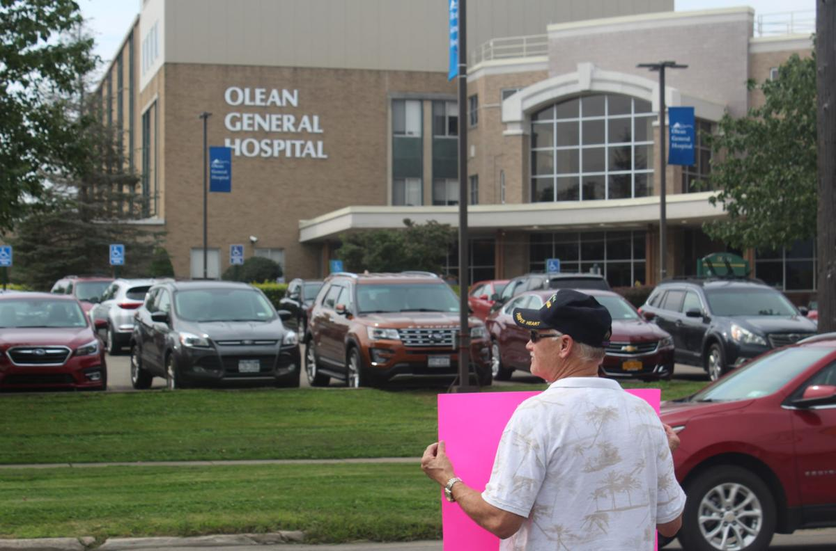 STA protest outside Olean General Hospital