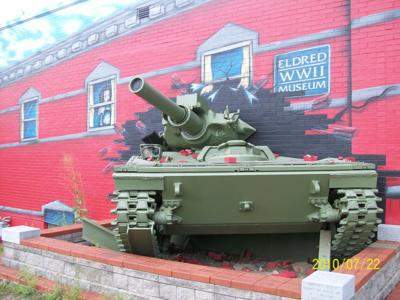 WWII tank.JPG