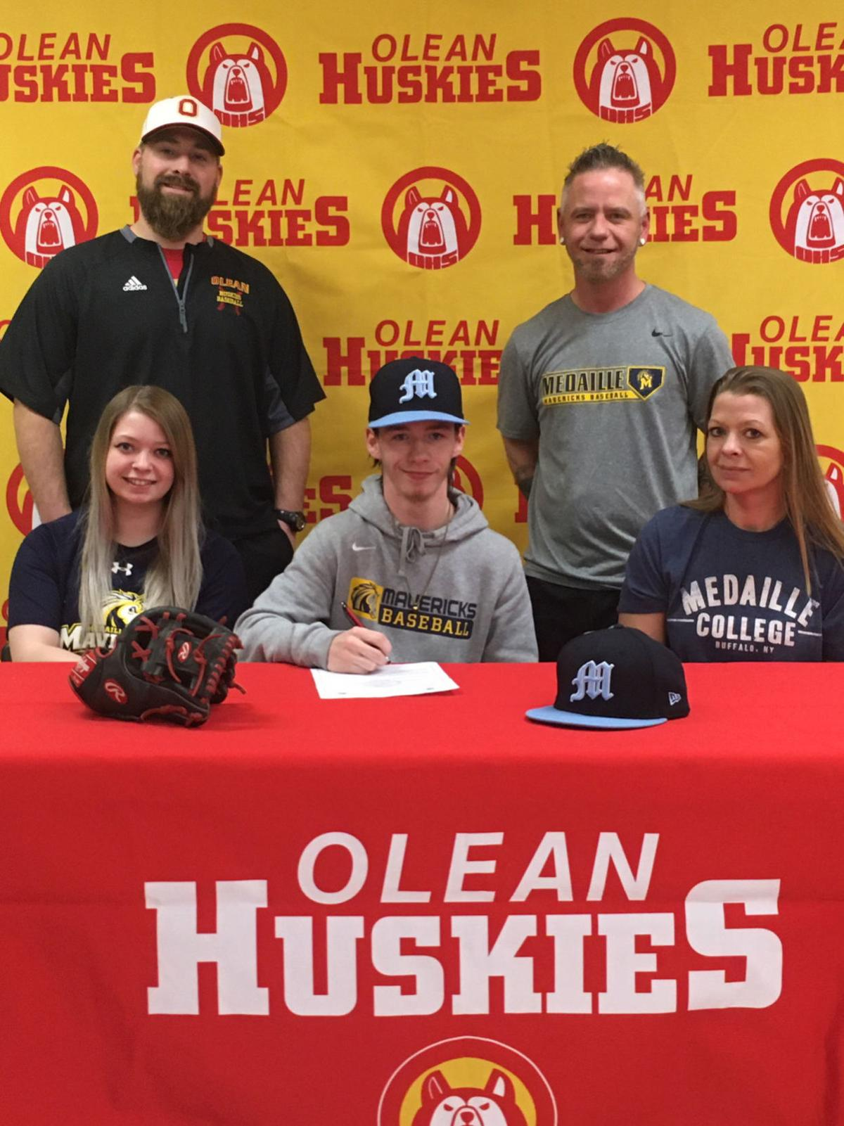 Olean's LaRue signs with Medaille baseball