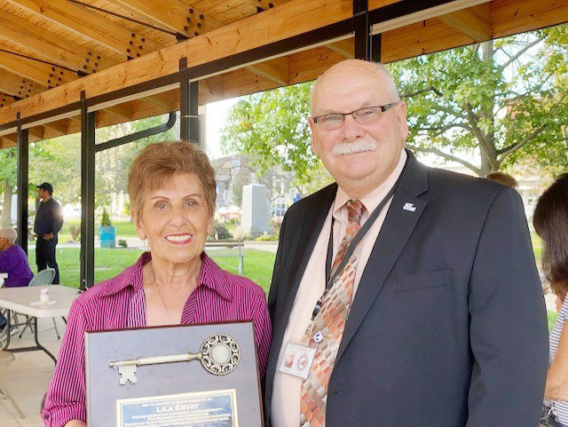 Olean volunteers recognized, Ervay presented key to city