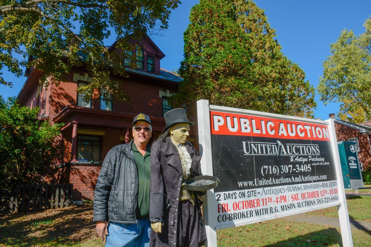 Boardmanville 'Clock Guy' auction