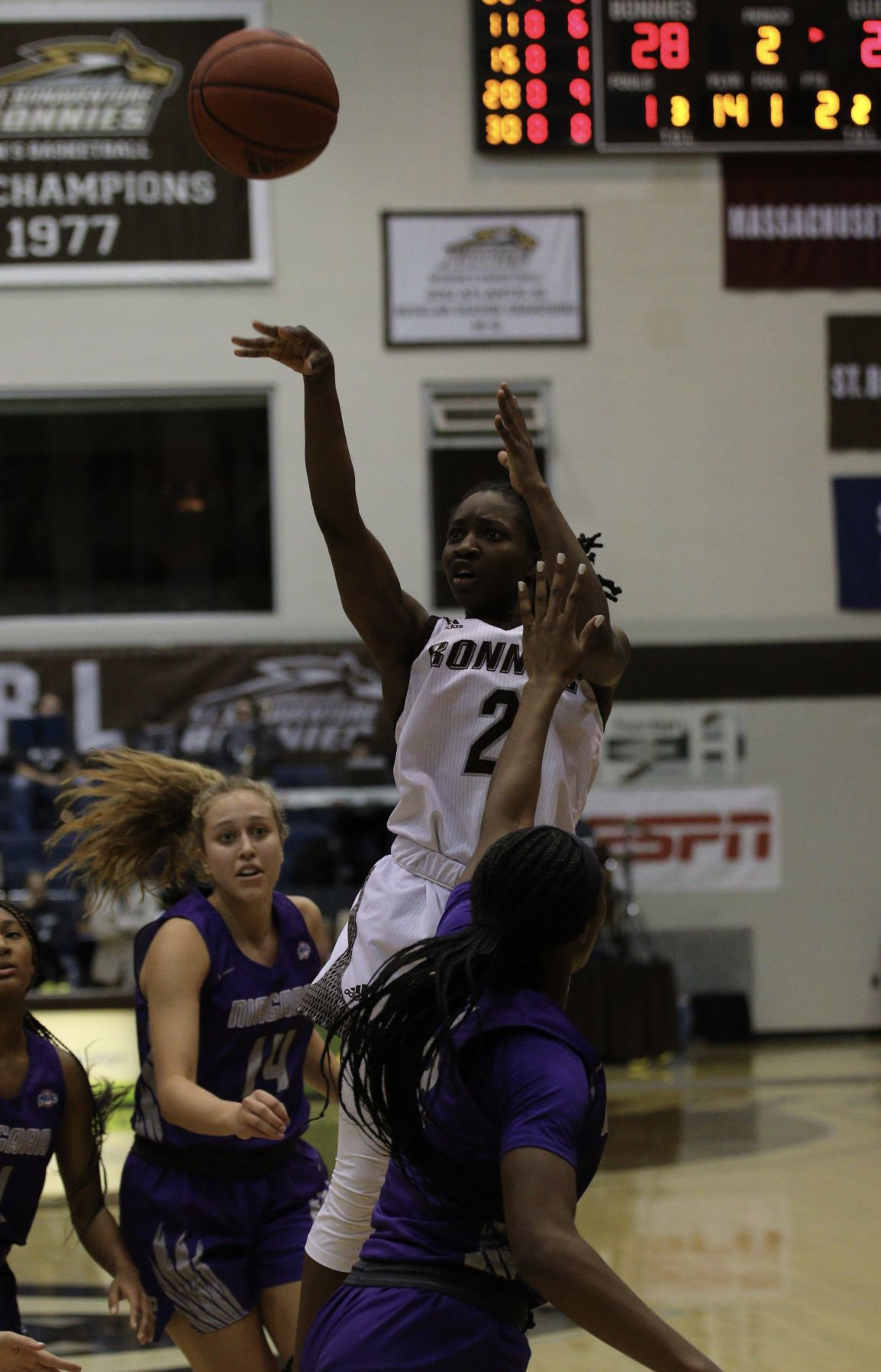 Bonnies use late comeback to defeat Niagara, 71-67, in Overtime