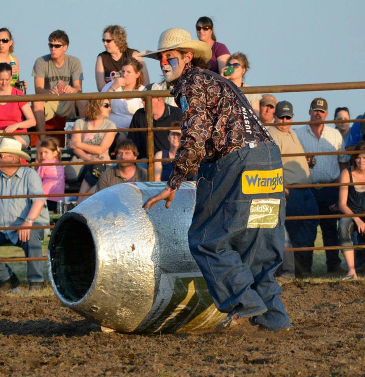 Catfish Stampede Brings Best In Rodeo Clowns Cowboys And