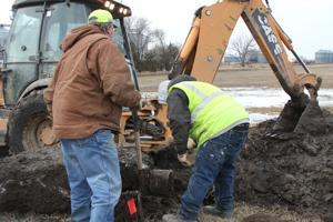 City crews work to fix water main break