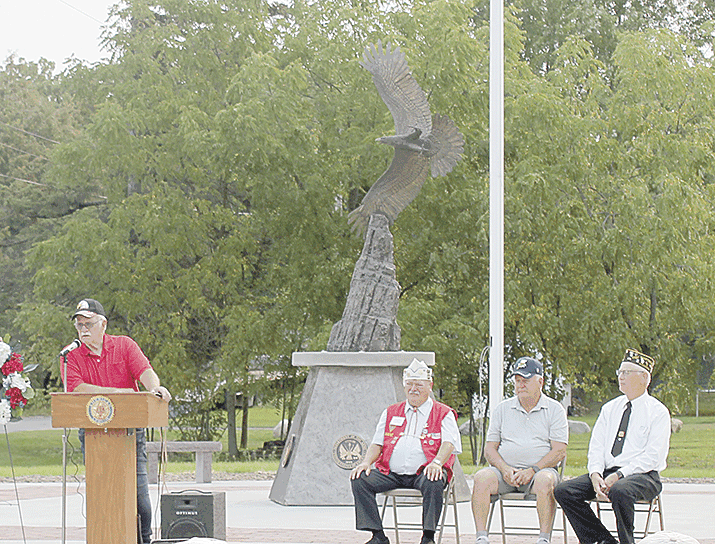 Village board officially dedicates Vets memorial
