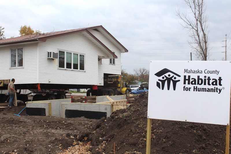 House moved to new home in Oskaloosa