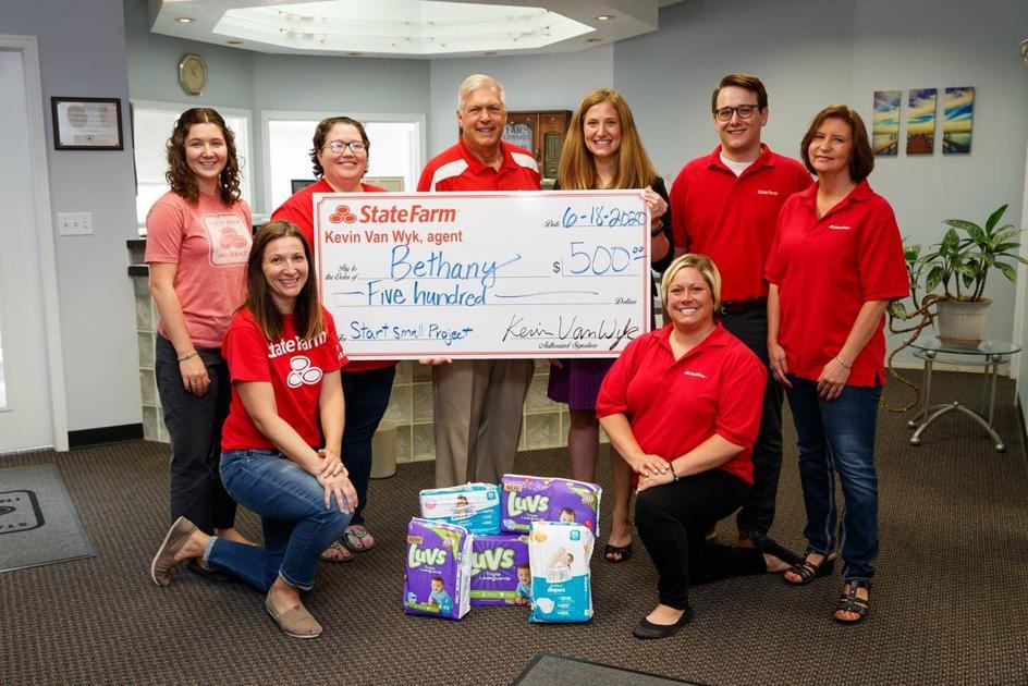 Van Wyk State Farm Agency awards $500 to local nonprofit
